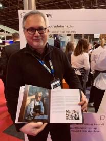 """Nemrégiben kiadott exkluzív séfkönyv, a MEP """"Séfekről Séfeknek"""" második részének a bemutatása, a SHIRA nemzetközi gasztronómiai rendezvényen került sor, amiben büszkeségünk, a Kígyósi Csárda séfe, Varga Károly is méltón helyet kapott."""